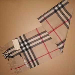 Nwt Burberry Women`s Camel Check Scarf Casual